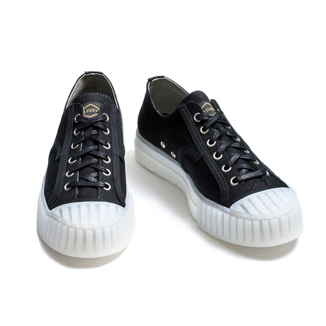 Low Lace-Up Canvas Sneakers // Black + White (Euro: 39)