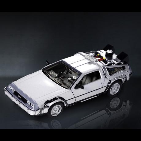 Back To The Future // Delorean Time Machine 1:24 // Premium Display