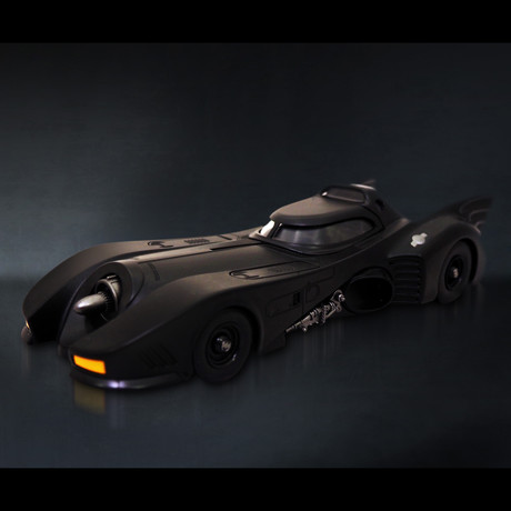 Batman Returns // Batmobile 1:24 // Premium Display