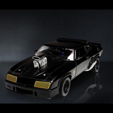 Mad Max // 1973 Ford Falcon 1:24 // Premium Display