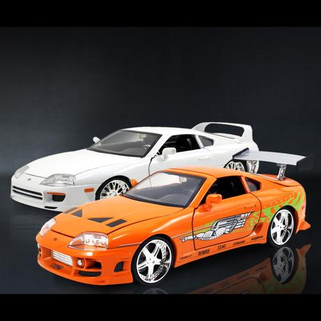 Fast + Furious // Brian's 1993 Toyota Orange Supra + 1995 Toyota White Supra 1:24 // Premium Display // Set of 2