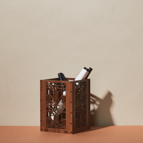 Lake Geneva Pen Holder