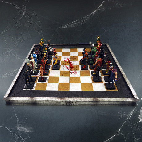 Marvel Elite Vintage Chess Set + 32 Eagle Moss Figures // Stan Lee Signed