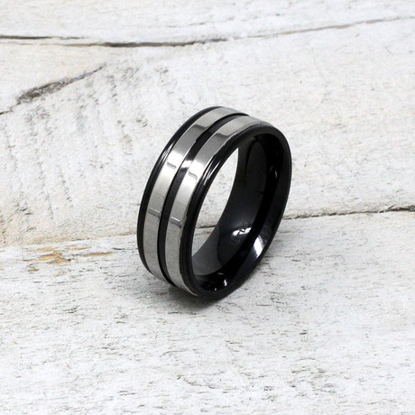 Grooved Two-Tone Ring // Black (Size 9)
