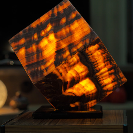 Volcanic Cube XL Lamp