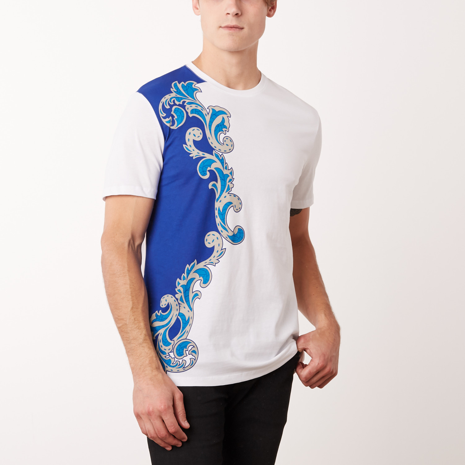 3332f569 Versace Collection T-Shirt // White + Royal Surf (S) - Versace ...