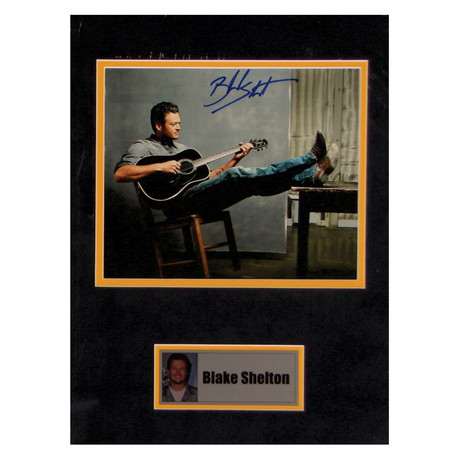 Blake Shelton // Signed Photo