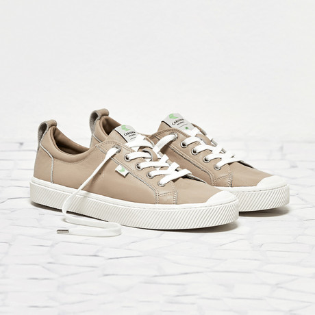 Oca Low Leather // Sand (US: 8)