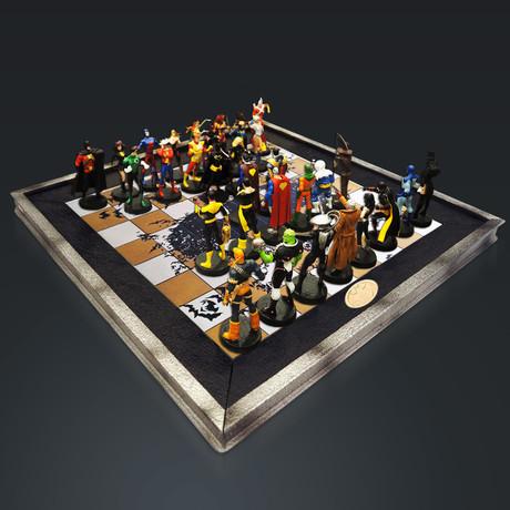 Dc Elite Vintage Chess Set + 32 Eagle Moss Figures