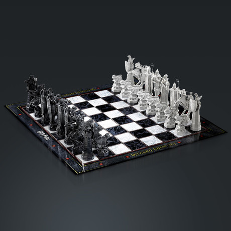 Harry Potter // Limited Edition Wizard Chess Set