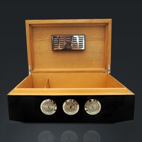 Carbon Fiber // Large Luxury Cigar Humidor 75Ct