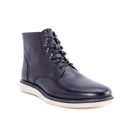 Finch Boots // Black (US: 8)