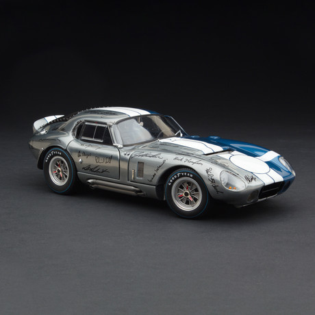 1965 Cobra Daytona Signatures Edition (RLG18016C)