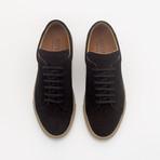 526 Suede Sneaker // Black (UK: 7)