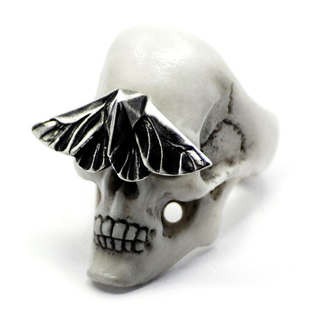 White Skull & Moth Ring (Size: 6)