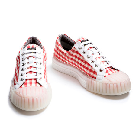Lamar Low Lace Up Sneakers // Vichy Red (Euro: 40)