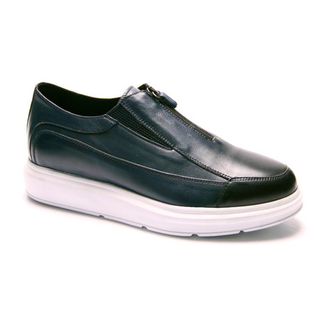 E. Goisto // Dorsey Sneaker // Dark Blue (Euro: 40)