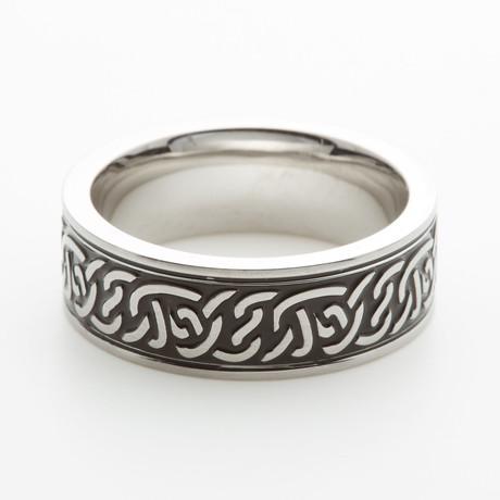 Twisted Celtic Ring // Black (7)