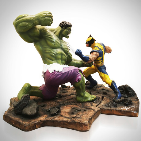 Hulk Vs Wolverine Epic Battle // Premium Format Stan Lee Signed Limited Edition Statue