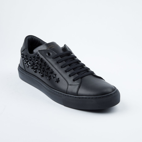 Star-Studded  Lace-Up Sneaker // Black (Euro: 42)