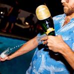 Bubbly Blaster Champagne Sprayer // White