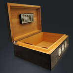 Carbon Fiber // Large Luxury Cigar Humidor 75Ct