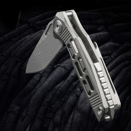 Gen. Titanium Knife (Metallic Purple)