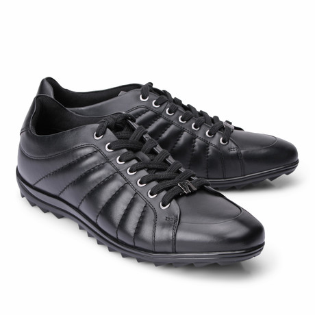 Lace-Up Line Stitched Fashion Sneaker // Black (Euro: 39)