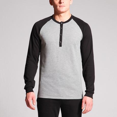 Matthew 4-Button Raglan Henley // Grey + Black (S)