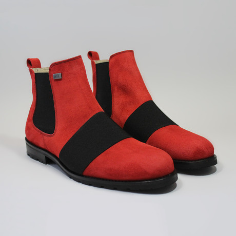 London // Red (Euro: 40)