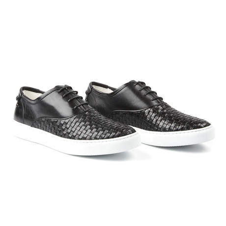 The Newhaven // Black (US: 7.5)