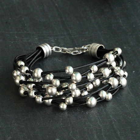 Antique Silver Plating + Zamak + Leather Wrist Bracelet // Beads