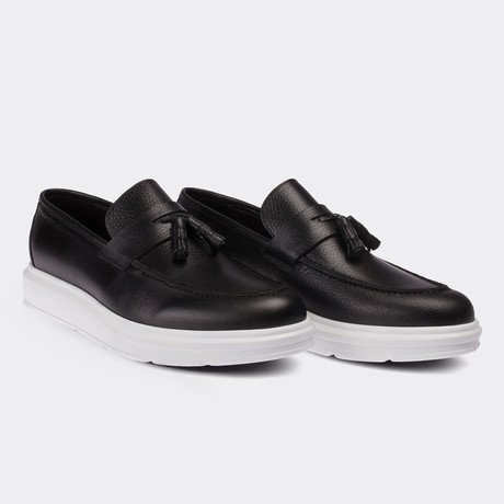 Brayden Loafer Moccasin Shoes // Black (Euro: 38)