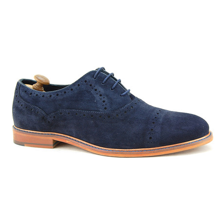 Thompson Brogue // Blue (Euro: 40)