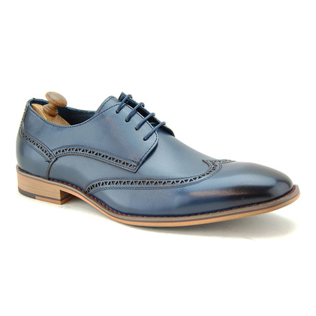 Thane Brogue // Navy (Euro: 40)
