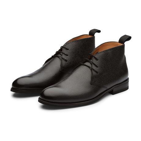Pebble Grain Leather Chukka Boot // Black (US: 7)