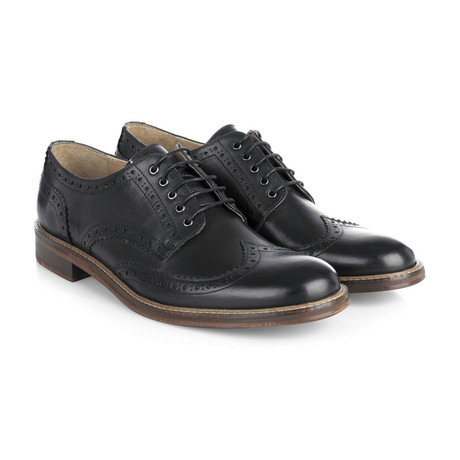 Trafalgar Leather Brogue // Black (UK: 6)
