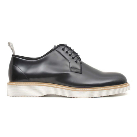 Siyah Lace-Up // Black (Euro: 40)