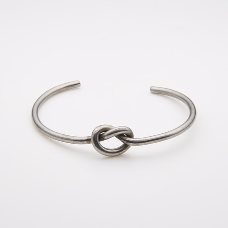 Dell Arte // Gunmetal + Stainless Steel Knot Bangle // Silver