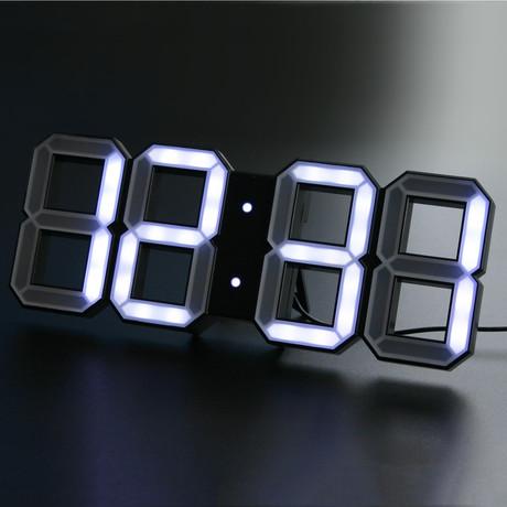 Digital LED Clock // Black Edition