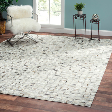 Tribeca Hand-Loomed Cowhide Area Rug (5' x 8')
