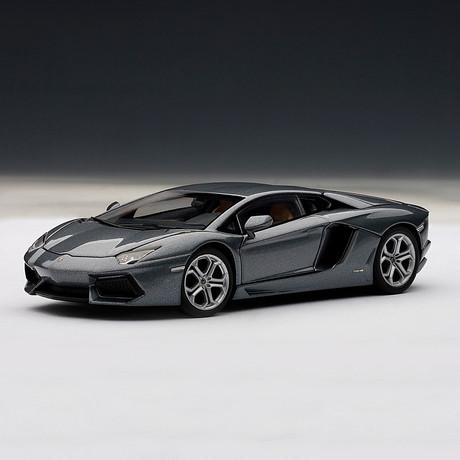 Lamborghini Aventador LP700-4 (Grigio Estoque // Metallic Gray)