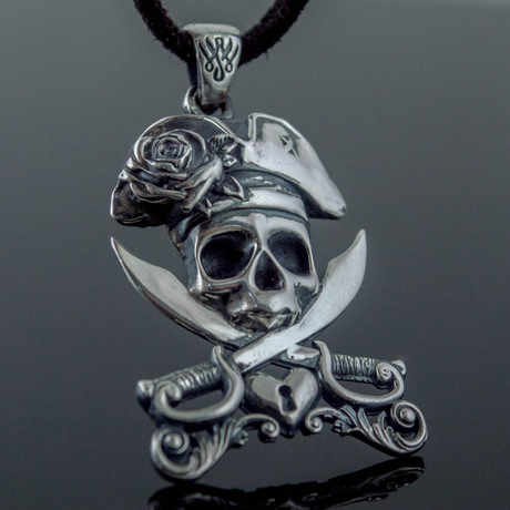 Pirate Skull Pendant Ver 2
