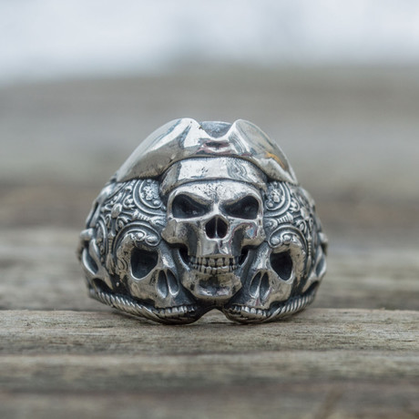 Pirate Skull Ring // Silver (6)