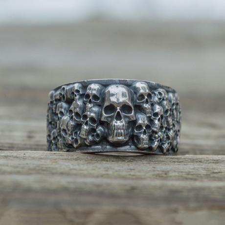 Skulls Band Ring // Silver (6)