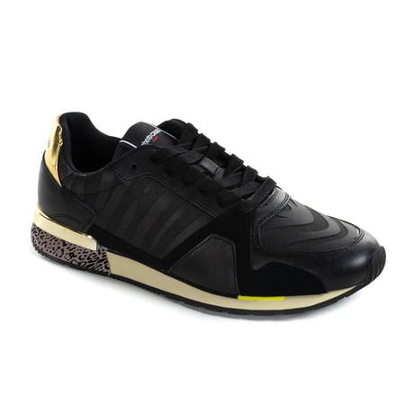 Trainer // Black (Euro: 40)