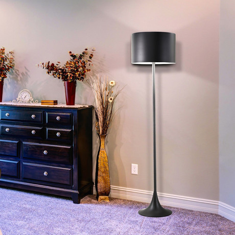 Metale Floor Lamp (Black)
