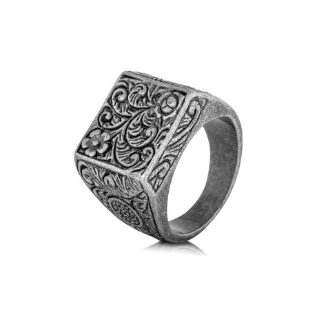 Floris Ring // Antique Silver (6)