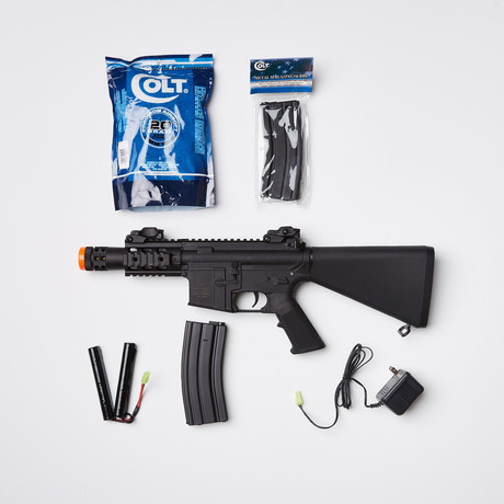 Colt M4 FS Stubby Airsoft Replica + Ammo Kit
