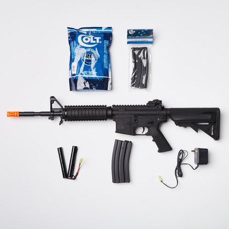 Colt M4 RIS FT Airsoft Replica + Ammo Kit